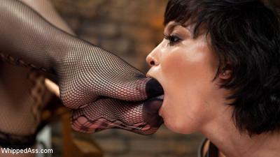 Horny woman-on-woman slut, mia austin, devotes her self to the sadistic pleasure of her