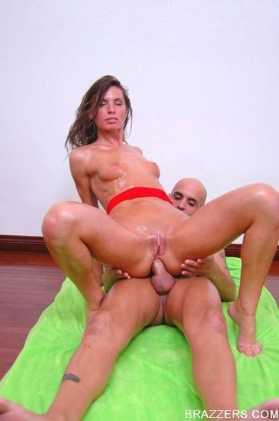 Appealing wazoo naomi russell benefits from her tight asshole boned hard