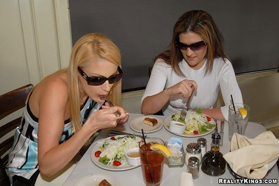 Austin and samantha were out to lunch discussing their marital issues over some