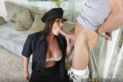 Shitty police officer anal fucked by criminal boss