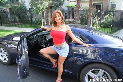 Untamed hot milf lady getting fucking happiness