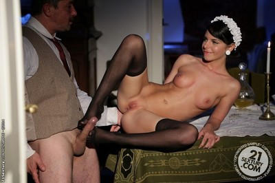 Woman servant jessyka swan in anal hardcore fuck on a table