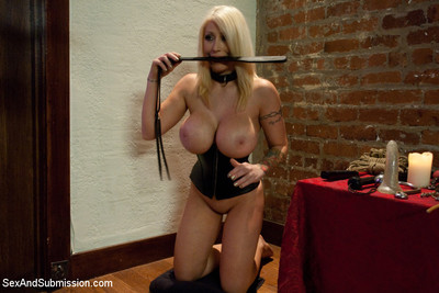 Candy manson returns to porn later a two year break to do her first anal sex sce