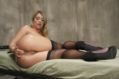 Simone sonay is making an army of anal soldiers and desires jenna ashley