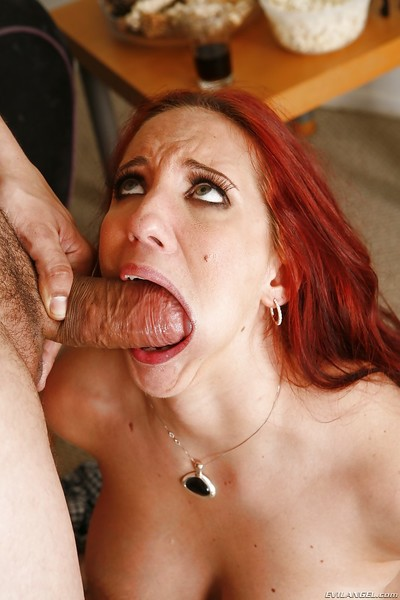 Redhead beauty Kelly Divine is trying to engulf this major 10-Pounder