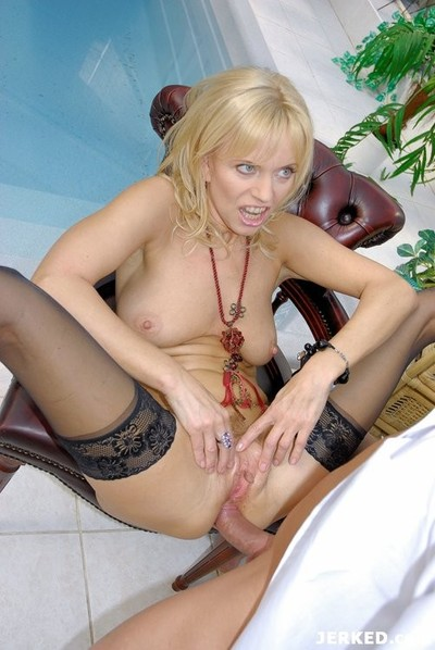 Golden-haired mom in sexy stockings anal fuck and facial cumshot