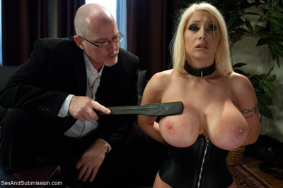 Candy manson returns to porn after a 2 year break to do her first anal sex sce