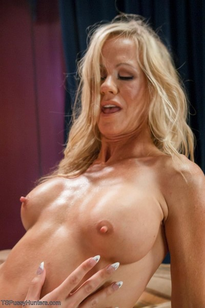 Venus follows the lead of the extraordinaryly seductive simone pending together ladies are