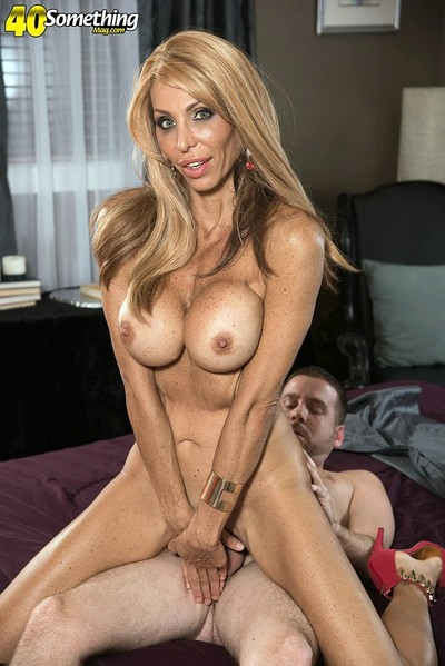 Mature anal fucking in bend over fucking