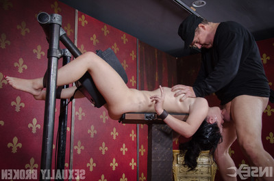 Compact act of love submissive yhivi is fixed firmly with a sybian on her clitoris and cavernous throated!