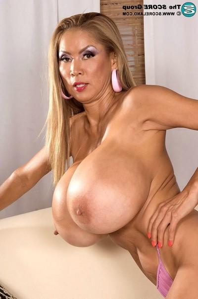 Eastern porsntar minka is the boobsy nodel of the year in 2006