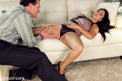 Jessica bankok has intercourse a stallion in her living room