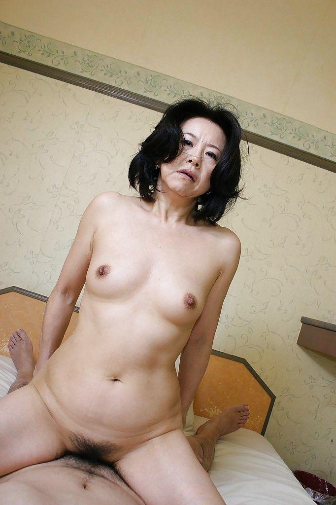 Lusty Chinese MILF Junko Sakashita has some gentile fingering and fucking getting pleasure