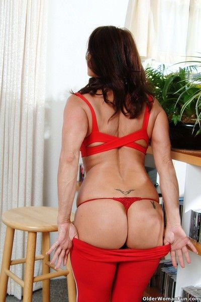 Glum milf jillian strips wanting