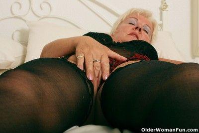 Chunky grandma sandie steppe stockings