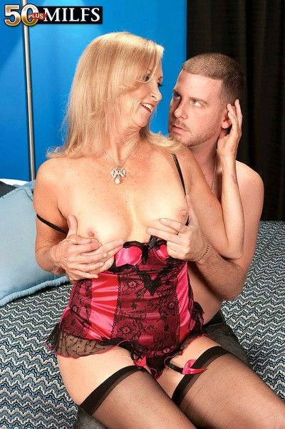 Oversexed tow-haired grown up annabelle brady riding younger horseshit