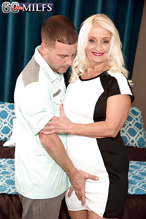 Fair-haired granny Vikki Vaughn unshackling saggy jugs adjacent to sweet-talk younger baffle be advisable for sexual..