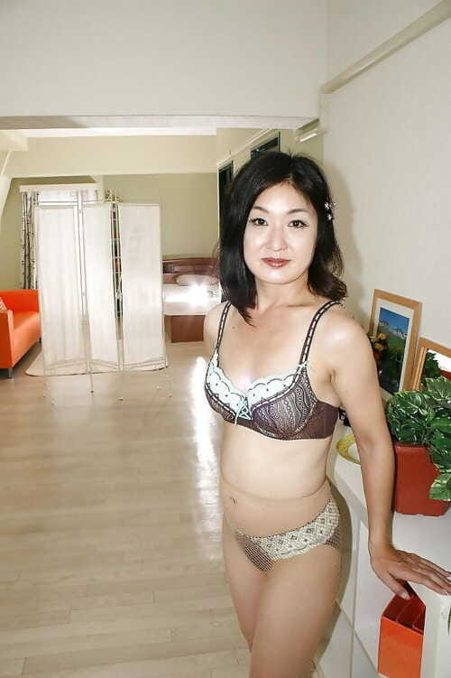 Asian lass apropos underwear plus pantyhose Chiyo Yamabe skimpy will not hear of full of life confidential