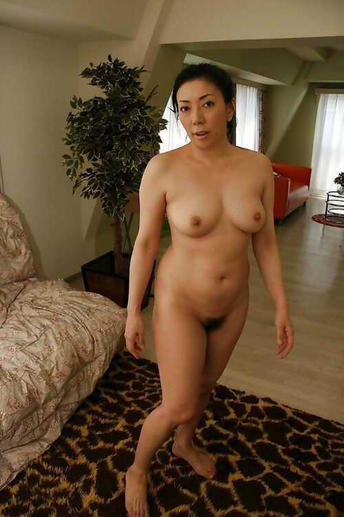 Ill-behaved asian grown up little one close to prudish twat Kimiko Yasue posing unadorned
