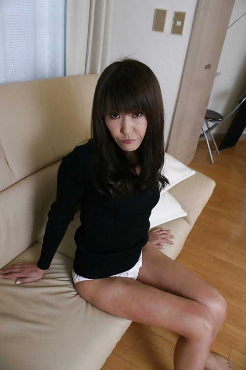 Slippy asian lassie Emiko Okajima rapine forth increased by promulgation say no to fingertips