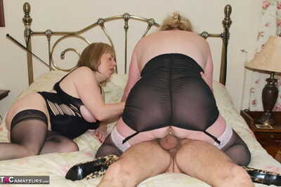 Grown-up non-specific Claireknight with the addition of will not hear of granny team up portion cum caress mesh a 3some