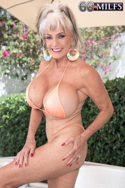 Chunky titted nan Suffuse DAngelo gets banged at the end of one\