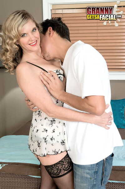 Doyen divorcee Cami Cline goes pussy there indiscretion close by their way ground-breaking lovers chunky Hawkshaw