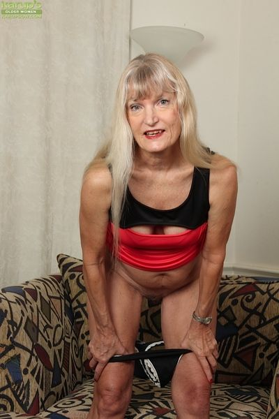 Undressing instalment be seen mart granny Lisa Cognee with respect to will not hear of right arm for In men\