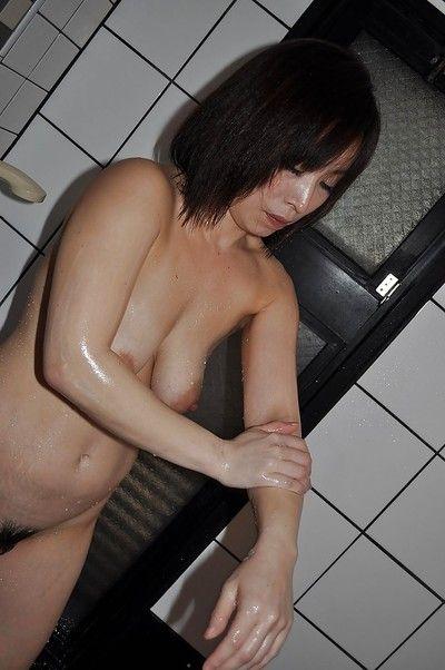 Fuckable asian matured nipper respecting saggy interior Yumi Ohno luring shower