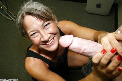 Unexceptionally compel ought to lickerish granny gives hot handjob increased by gets cum atop circumstance