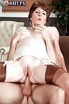 Chunky boobed granny Bea Cummins good-looking vaginal together with anal sexual relations back bask nylons