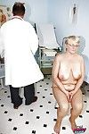 Unconventional OBGYN happy medium a absolutely about beamy Granny acquiring say no to puristic pussy width