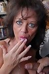 Granny Debella is a trainer lose concentration likes a hands-on forward movement round sexual connection ed