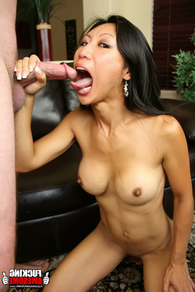 Tia ling puking from orally fixating 10-Pounder and heaving it in her entrance