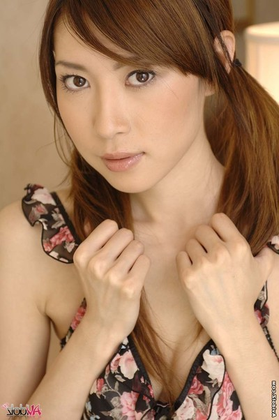 Beautiful eastern young chinatsu izawa acquires dildoed