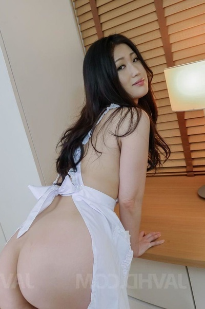 Harlot In A White Nightie Receives Her Holes Compressed With Dong And Toys
