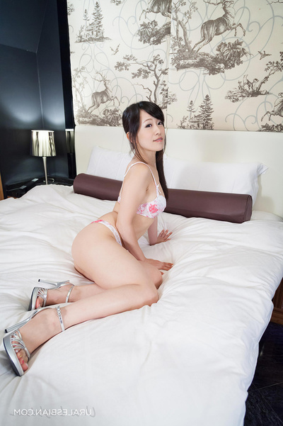 Ponytailed Japanese Youthful Takes Off Her Floral Sexy pants Whereas Her Long-Haired Supporter Posing As mother gave birth