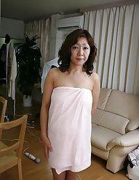 Sex-hungry oriental MILF Eriko Nishimura showcasing her unshaven love-cage