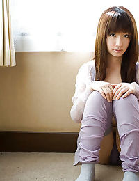 Loveable Japanese young with nifty fanny Hina Kurumi slipping off her shorts