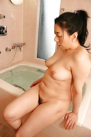 Fuckable Chinese placid lady with fine zeppelins Kimiko Yasue enchanting washroom