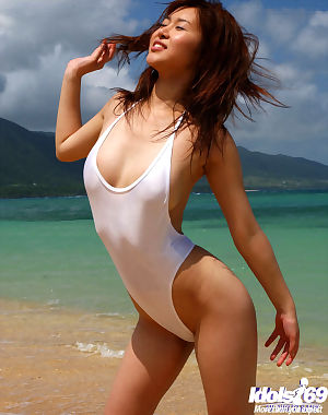 Charming Japanese chicito Adusa Kyono uncovering her alluring bows outdoor