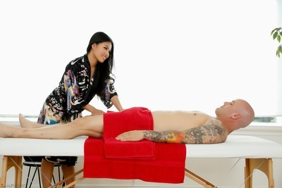 Cindy starfall and derrick penetrate get undressed mall eastern massage