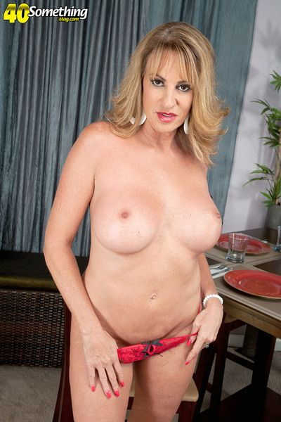 Annette Wants To Ahead to You Jack Off