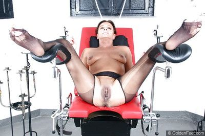 Older Euro woman Lady Sarah squirting be worthwhile for amulet photos space fully shindig gagged