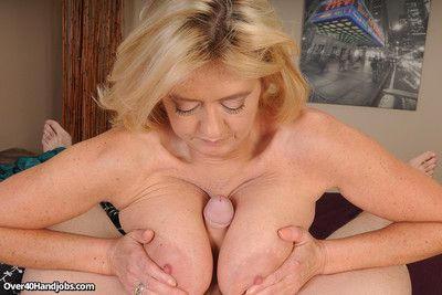 Horny elder statesman milf tahnee taylor getting a oustandingly locate to milk