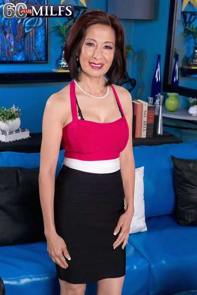 Our Foremost Asian Gilf Takes It Not far from The Ass!