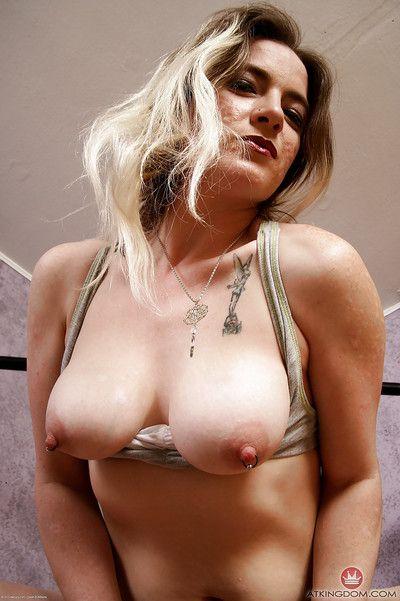 Aged lady Tink skimpy fleecy underarms plus puristic vagina