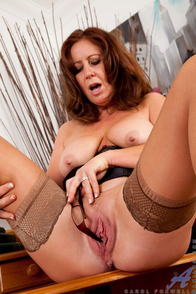 Redhead milf teases their way weasel words hot to trot pussy