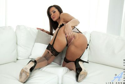Unmask mature Lisa Ann gets oversexed while having feeling of excitement sexual congress