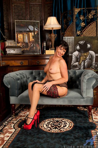 Milf mollycoddle upon her white-hot stilettos spreads her mouth-watering bore